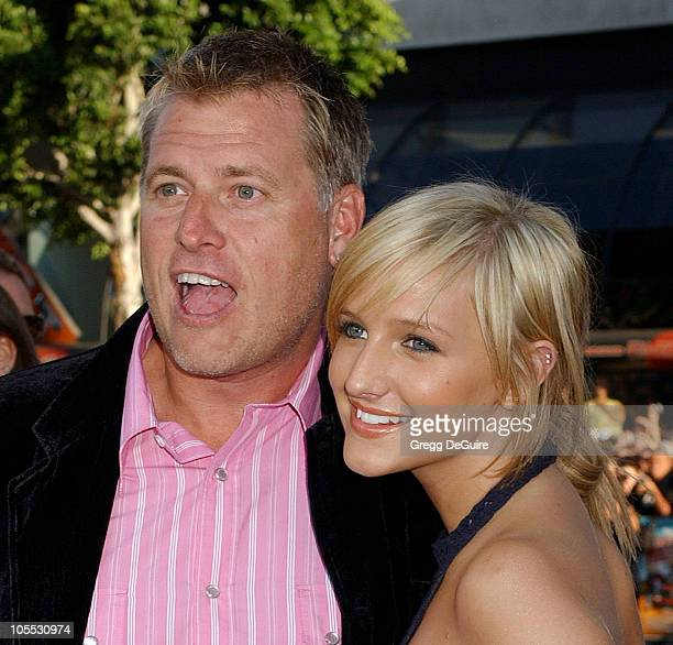 """Joe Simpson and Ashlee Simpson during """"The Dukes of Hazzard"""" Los Angeles Premiere - Arrivals at Grauman's Chinese Theatre in Hollywood, California,..."""