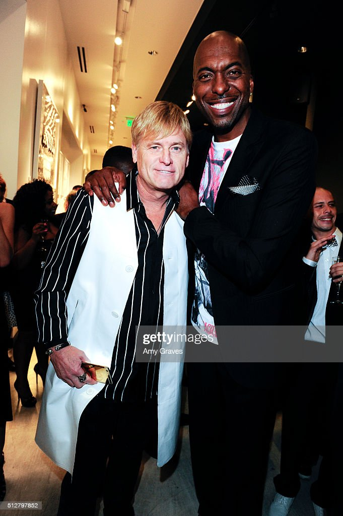Joe Simpson and John Salley attend the 'Tom Everhart 'Raw' Exhibition of His Schulz-influenced Paintings For The First Time In Black And White At Mouche Gallery on February 27, 2016 in Beverly Hills, California.