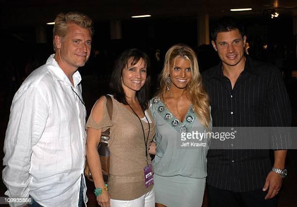 Joe Simpson, Tina Simpson, Jessica Simpson and Nick Lachey