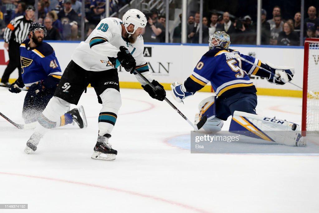 San Jose Sharks v St Louis Blues - Game Three : Nachrichtenfoto