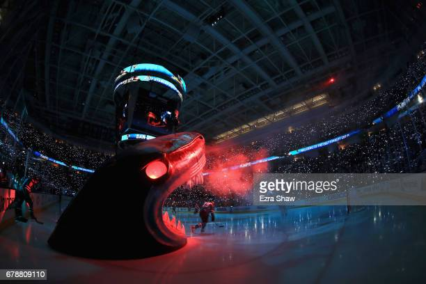Joe Thornton of the San Jose Sharks skates on to the ice for their game against the Edmonton Oilers during Game Six of the Western Conference First...