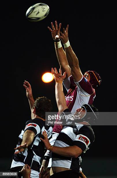 Joe Tuineau of Southland reaches for the ball in the lineout during the Air New Zealand Cup match between Southland and Hawke's Bay at Southland...