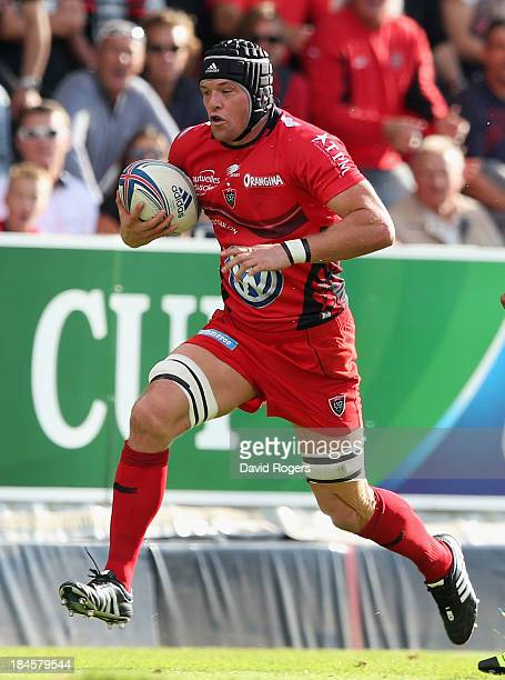 Joe van Niekerk of Toulon runs with the ball during the Heineken Cup Pool 2 match between Toulon and Glasgow Warriors at the Felix Mayol Stadium on...