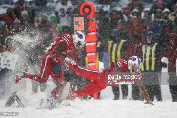 Joe Webb of the Buffalo Bills runs the ball during overtime against the Indianapolis Colts on December 10 2017 at New Era Field in Orchard Park New...