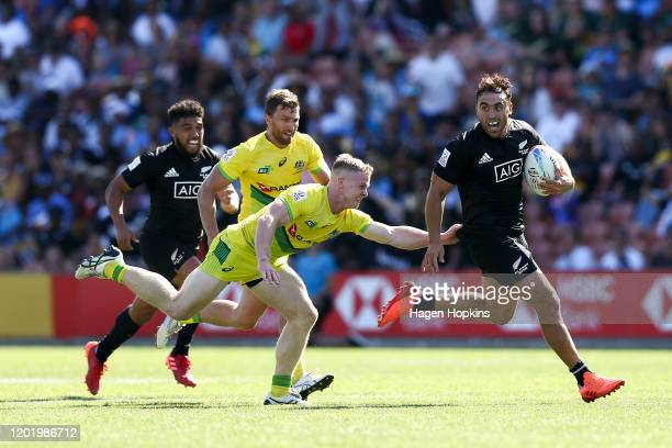 Joe Webber of New Zealand is tackled by Henry Hutchison of Australia during the semi-final match between New Zealand and Australia at the 2020 HSBC...