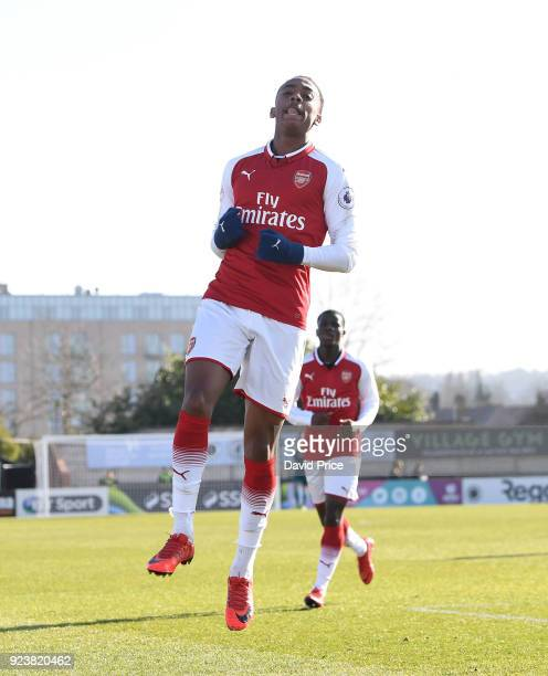 Joe Willock celebrates scoring Arsenal's 1st goal during the match between Arsenal and Dinamo Zagreb at Meadow Park on February 24 2018 in...