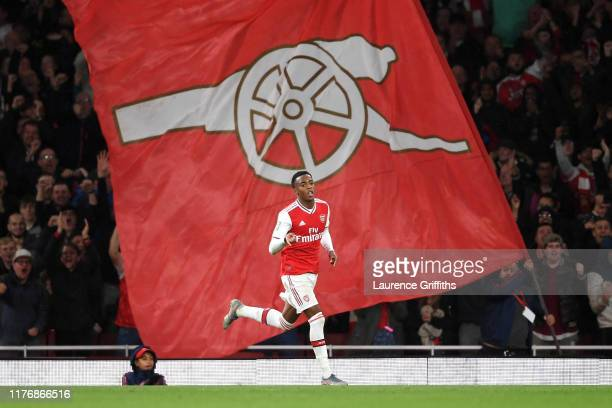 Joe Willock of Arsenal celebrates scoring a goal game during the Carabao Cup Third Round match between Arsenal FC and Nottingham Forest at Emirates...