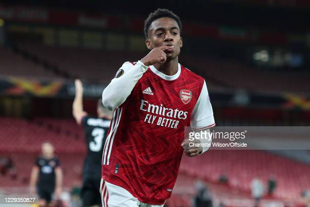 Joe Willock of Arsenal celebrates scoring their 2nd goal during the UEFA Europa League Group B stage match between Arsenal FC and Dundalk FC at...