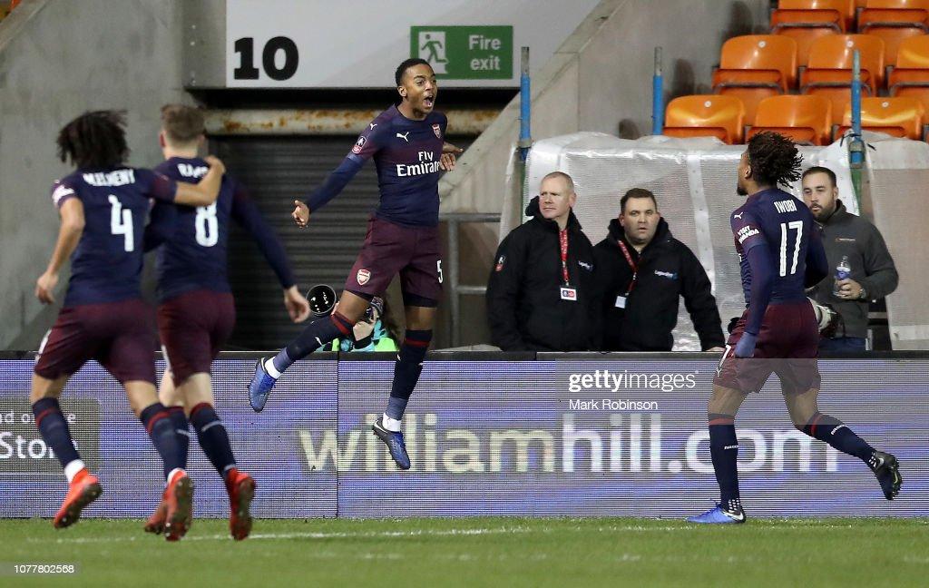 Blackpool v Arsenal - FA Cup Third Round : ニュース写真