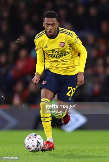 Joe Willock of Arsenal controls the ball during the FA Cup Fourth Round match between Bournemouth AFC and Arsenal FC at Vitality Stadium on January...