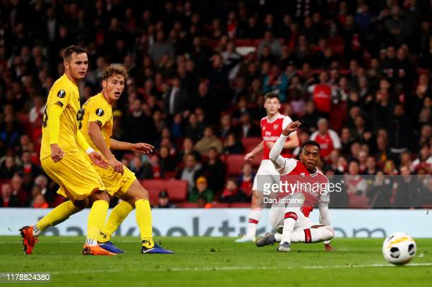 Joe Willock of Arsenal scores his team's third goal during the UEFA Europa League group F match between Arsenal FC and Standard Liege at Emirates...