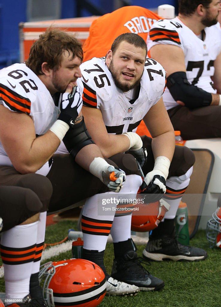 Cleveland Browns v Buffalo Bills : News Photo