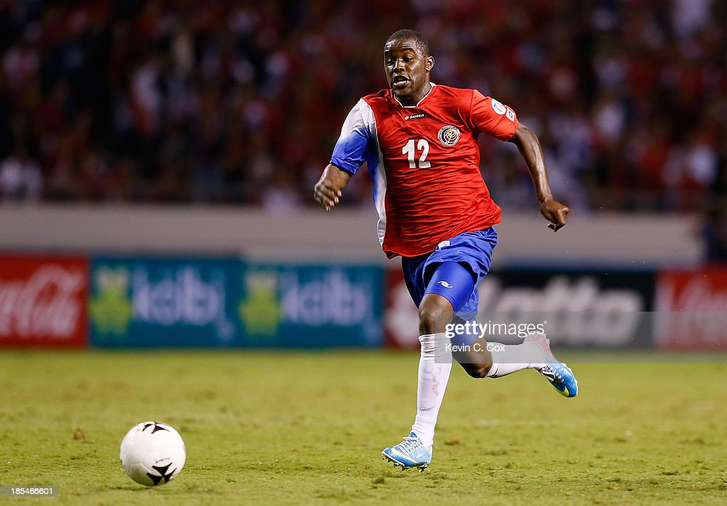 United States v Costa Rica - FIFA 2014 World Cup Qualifier : News Photo