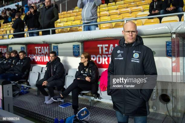 Joel Cedergren, head coach of GIF Sundsvall looks on prior to the Allsvenskan match between IF Elfsborg and GIF Sundsvall at Boras Arena on October...
