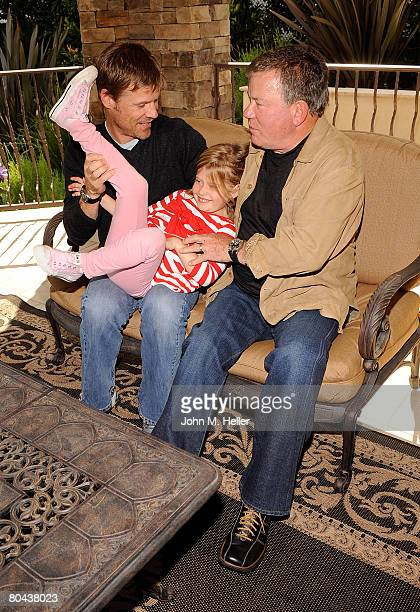 Joel Gretsch Kaya Gretsch and William Shatner have some fun at the art opening of Giorgio Tuscani and Elizabeth Shatner on March 29 2008 at a private...