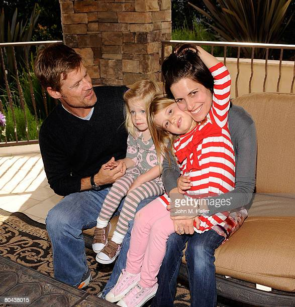 Joel Gretsch Willow Gretsch Melanie Shatner Gretsch and Kaya Gretsch attend the art opening of Giorgio Tuscani and Elizabeth Shatner on March 29 2008...