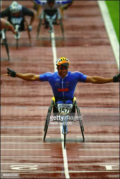 Joel Jeannot wins Men 1500 meters wheelchair