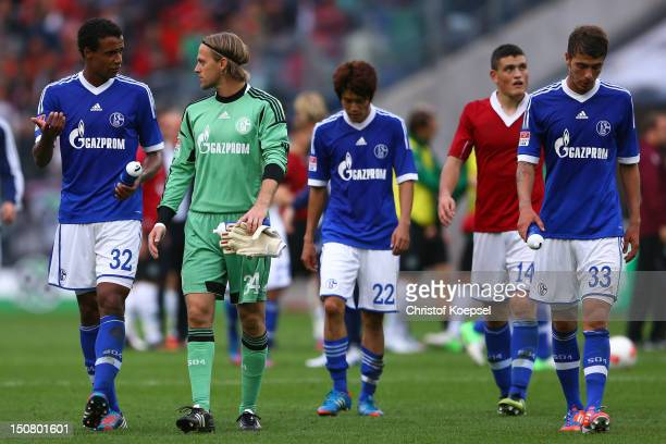 Joel Matip Timo Hildebrand Atsuto Uchida Kyriakos Papadopoulos and Roman Neustaedter of Schalke look dejected after the 22 draw of the Bundesliga...