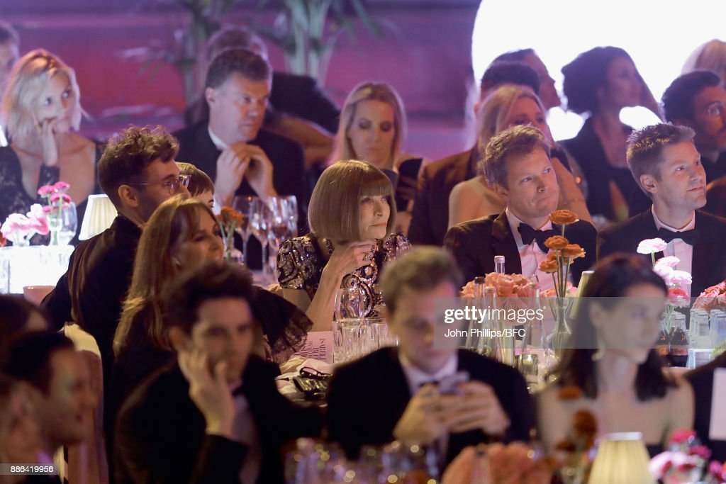 Joel McAndrew, Agyness Deyn, Anna Wintour, a guest and Christopher Bailey MBE during The Fashion Awards 2017 in partnership with Swarovski at Royal Albert Hall on December 4, 2017 in London, England.