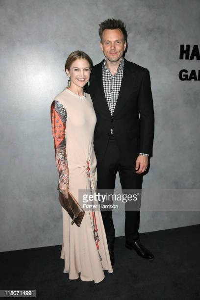 Joel McHale and Sarah Williams attend the 2019 Hammer Museum Gala In The Garden at Hammer Museum on October 12, 2019 in Los Angeles, California.