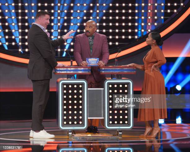 FEUD Joel McHale vs Ben Feldman and Jesse Palmer vs CeeLo Green Its a hilarious faceoff between the host of ABCs Card Sharks Joel McHale and the star...