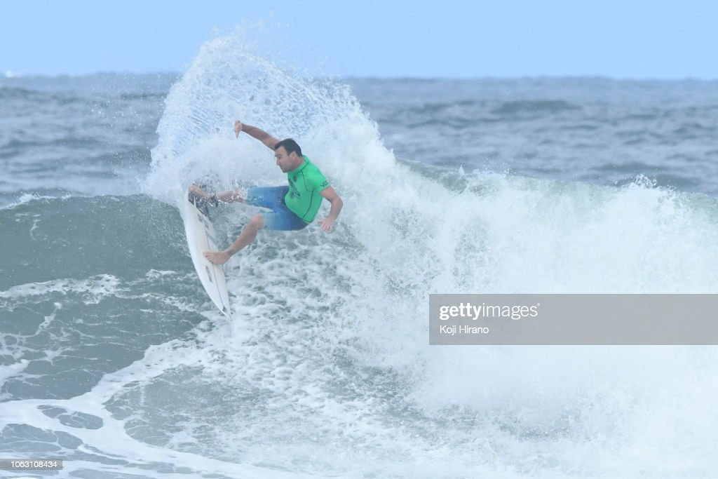 0605730066 Joel Parkinson surfs during the semifinals of the winner of 2018 ...