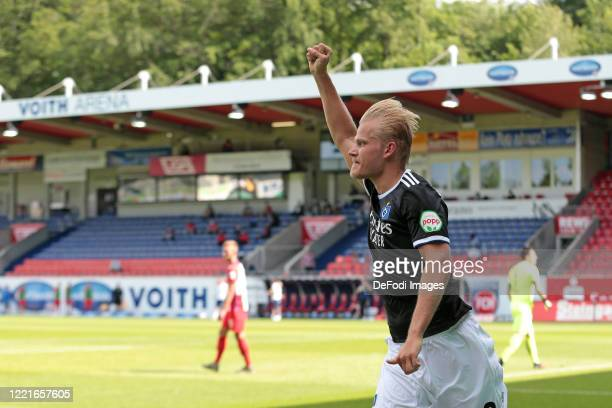 Joel Pohjanpalo of Hamburger SV celebrates after scoring his team's first goal during the Second Bundesliga match between 1. FC Heidenheim 1846 and...