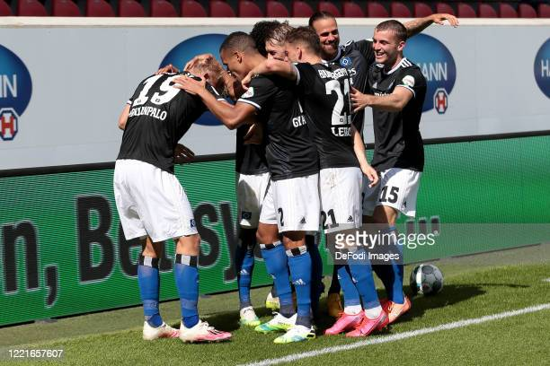 Joel Pohjanpalo of Hamburger SV celebrates after scoring his team's first goal with teammates during the Second Bundesliga match between 1. FC...