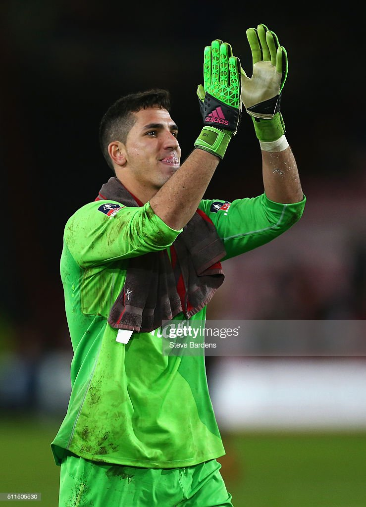Joel Robles of Everton celebrates victory after the Emirates FA Cup fifth round match between AFC Bournemouth and Everton at the Vitality Stadium on February 20, 2016 in Bournemouth, England.