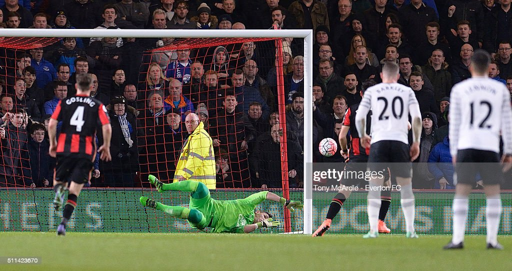 Joel Robles of Everton saves Charlie Daniels penalty during the The Emirates FA Cup Fifth Round match between AFC Bournemouth v Everton at the Vitality Stadium on February 20, 2016 in Bournemouth, England.