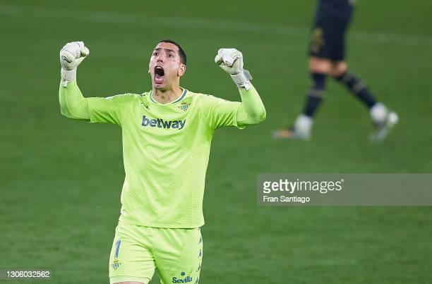 Joel Robles of Real Betis reacts during the La Liga Santander match between Real Betis and Deportivo Alavés at Estadio Benito Villamarin on March 08,...