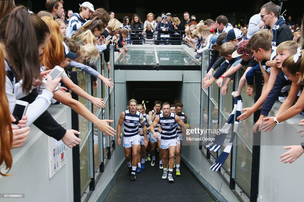 AFL Rd 6 - Geelong v Collingwood : News Photo