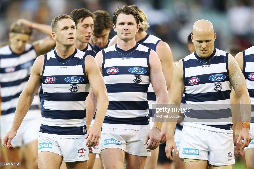 AFL Rd 2 - Geelong v Hawthorn : News Photo