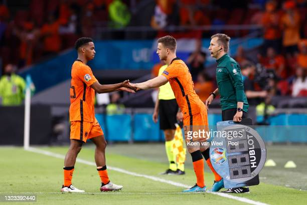Joel Veltman of Netherlands replaces Jurrien Timber during the UEFA Euro 2020 Championship Group C match between Netherlands and Ukraine at the Johan...