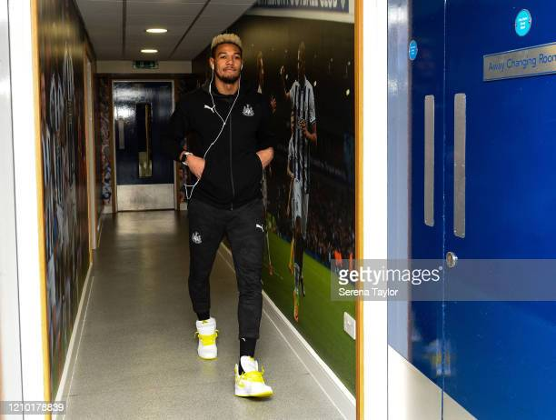 Joelinton of Newcastle United FC arrives for the FA Cup Fifth Round match between West Bromwich Albion and Newcastle United at The Hawthorns on March...