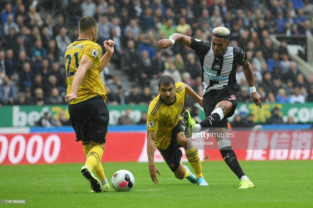 Newcastle United v Arsenal FC - Premier League : News Photo