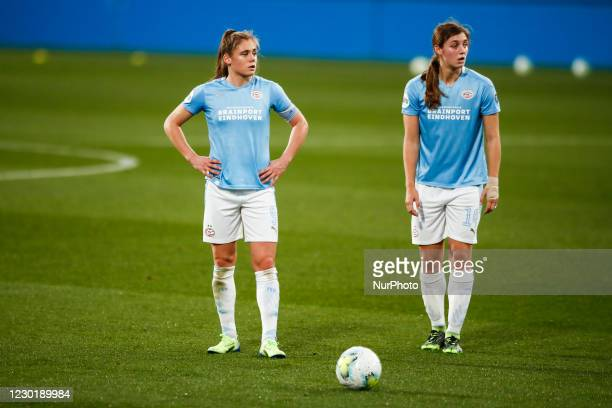 Joelle Smits of PSV and 14 Aniek Nouwen of PSV during the UEFA Champions League Women match between PSV v FC Barcelona at the Johan Cruyff Stadium on...