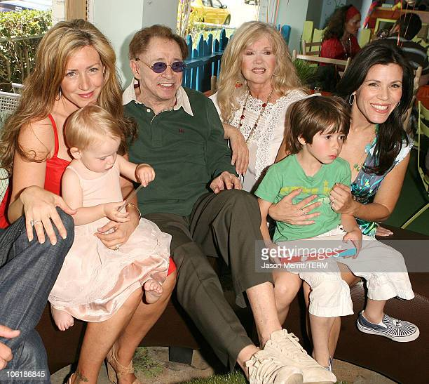 Joely Fisher Eddie Fisher Connie Stevens and Tricia Leigh Fisher with family