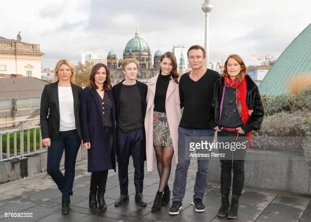 Joerdis Triebel Maja Schoene Louis Hofmann Karoline Eichhorn Oliver Masucci and Lisa Vicari attend the photocall of the first German Netflix series...