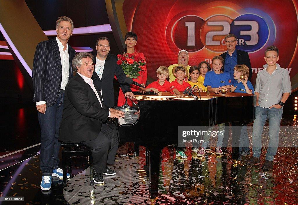 Photocall '1, 2 oder 3 - Die Grosse Jubilaeumsshow' : News Photo