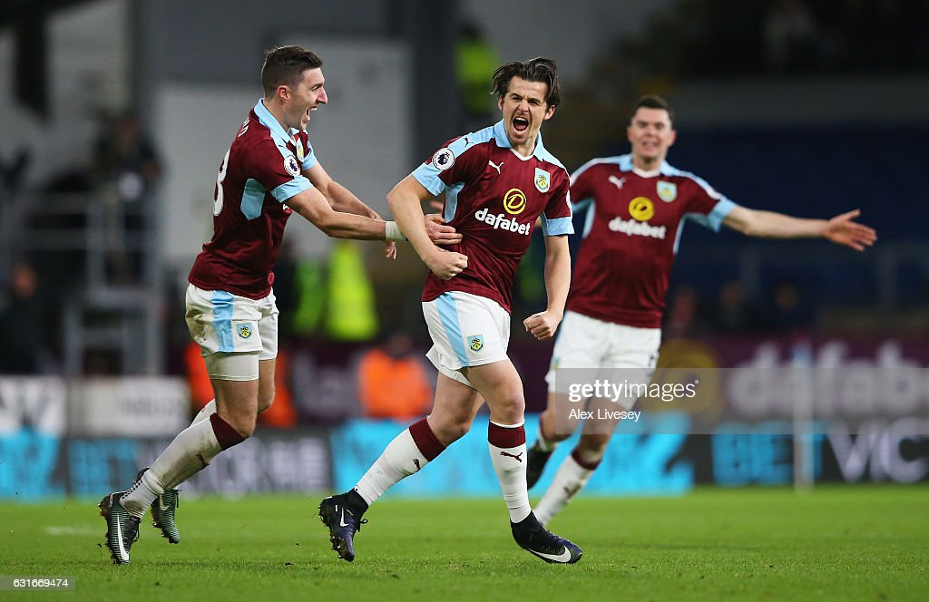 Joey Barton of Burnley (C) celebrates scoring his sides first goal with his Burnley team mates during the Premier League match between Burnley and Southampton at Turf Moor on January 14, 2017 in Burnley, England.