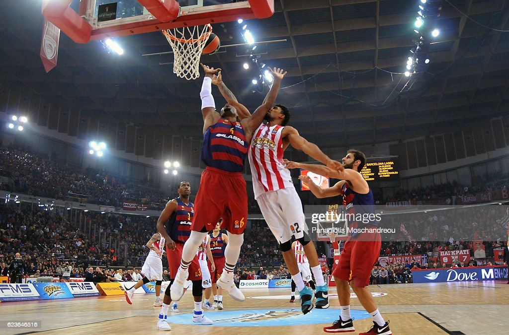 Olympiacos Piraeus v FC Barcelona Lassa 2016/2017 Turkish Airlines EuroLeague : News Photo