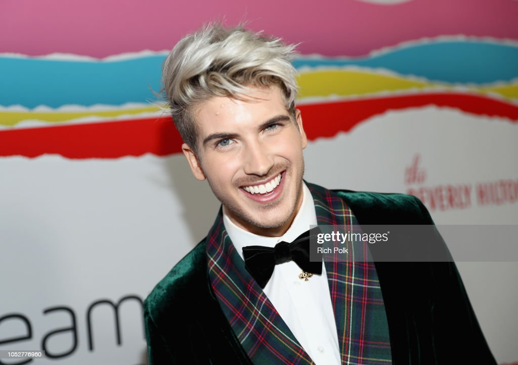 The 8th Annual Streamy Awards - Red Carpet : News Photo