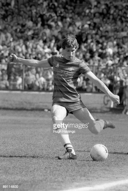 Joey Jones of Chelsea passes the ball during the English Division Two match between Chelsea and Leeds United held on April 28 1984 at Stamford Bridge...