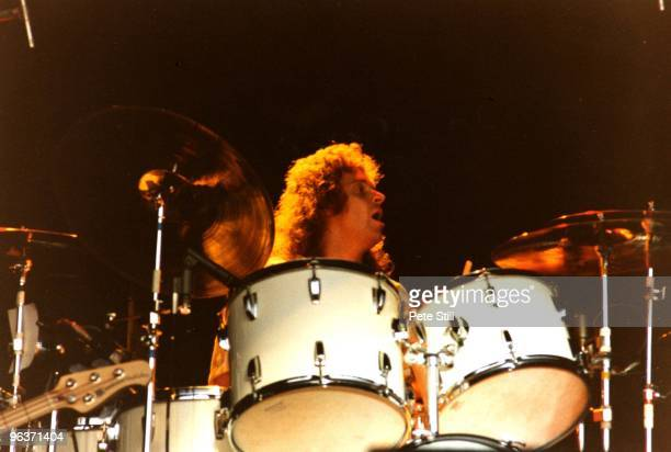 Joey Kramer of Aerosmith performs on stage on Day 2 of The Reading Festival on August 27th 1977 in Reading United Kingdom