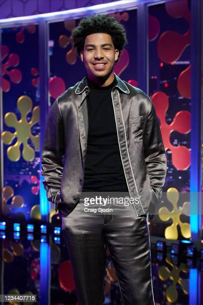 Joey Lawrence and Marcus Scribner Blossom and Brotherly Love star Joey Lawrence enjoys good music and dancing on the first date. Joey asks the...