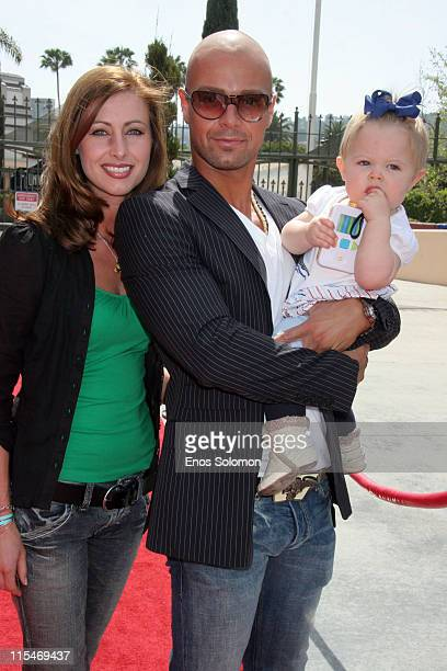 Joey Lawrence with wife Chandie YawnNelson and daughter Charli