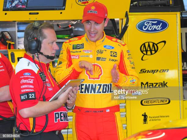 Joey Logano Penske Racing Shell Pennzoil Ford Fusion talks with crew chief Todd Gordon during practice for the Monster Energy Cup Series Folds of...