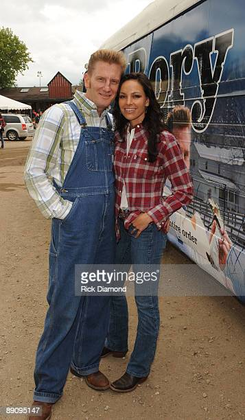 COVERAGE*** Joey Martin Feek and Rory Lee Feek of singer/Songwriter duo Joey Rory pose by their 1955 tour bus backstage at the 17th Annual Country...