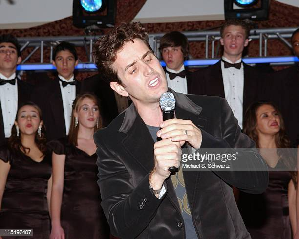 Joey McIntyre with Burbank High School's In Sync Choir